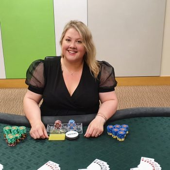 Hire a friendly and experienced poker dealer in Londonpoker